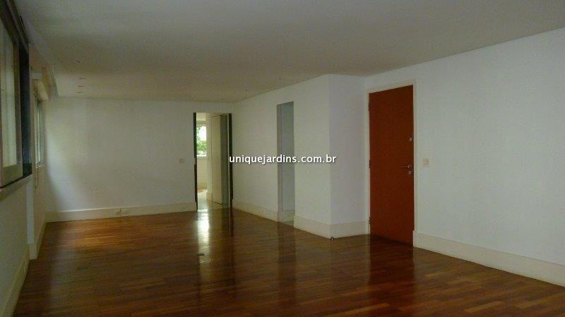 Apartamento aluguel Morro dos Ingleses - Referência AP85757